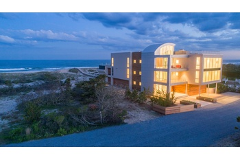 THE ULTIMATE BEACH HOUSE IN THE HAMPTONS